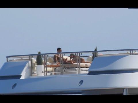 EXCLUSIVE - Kourtney Kardashian and new beau Younes Bendjima chilling on their boat