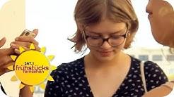 Traumatisches Erlebnis: Nacktfotos einer 11-jährigen im Klassenchat | SAT.1 Frühstücksfernsehen