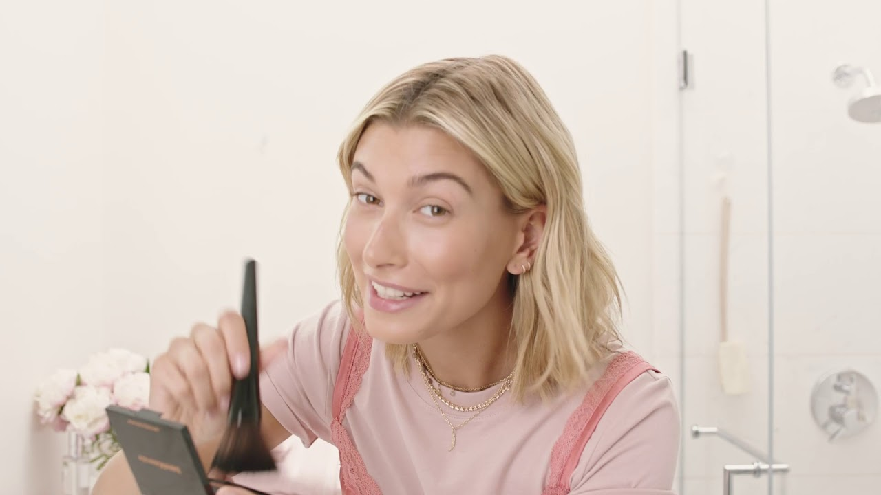 5 Minute Face Hailey Bieber S Makeup Routine Youtube