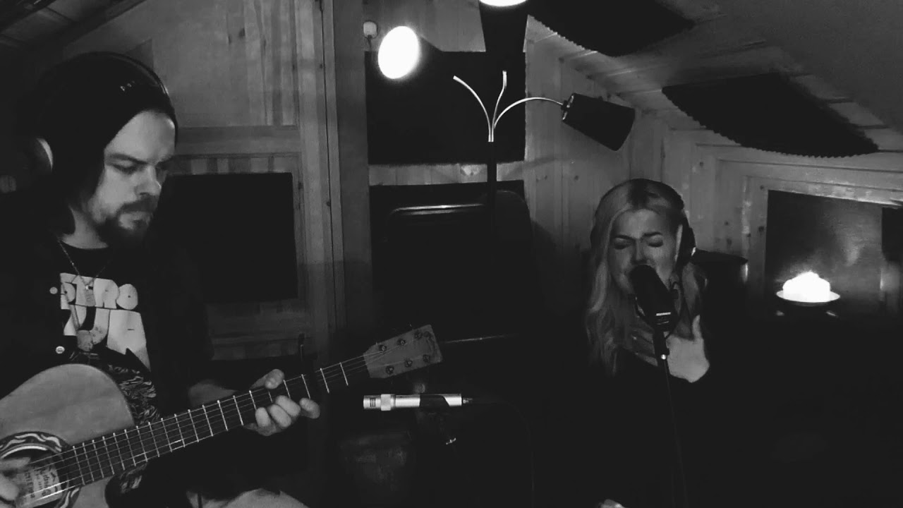 Download Madeleine Holden - Diamond Heart (Acoustic Cover)