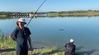Поймали рыбу 8 кг на Грозненском море водохранилище в Грозном Чечня чеченцы рыбалка