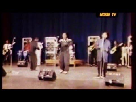 Stervos Niarcos ft Bozi Boziana, papa wemba et Emeneya Live