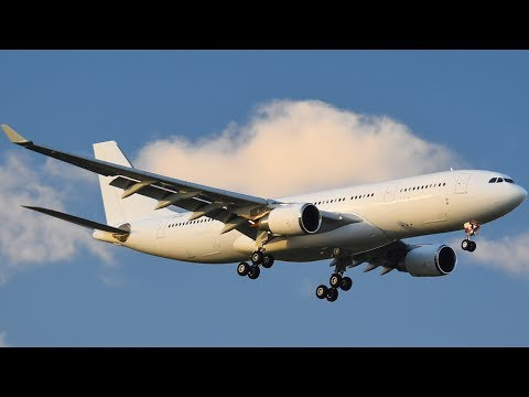 RARE Hongkong Jet A330-200 EVENING Landing at Melbourne Airport