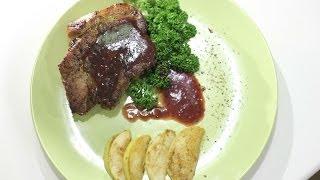 Стейк из свиной шеи с брусничным соусом