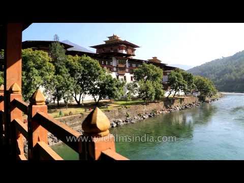Punakha Dzong Fortress: Must visit place in Bhutan