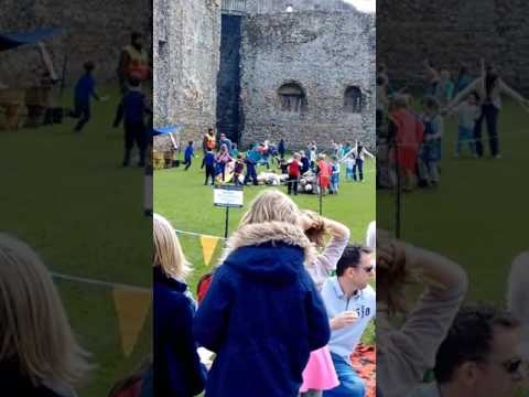 Castle on the hill - Framlingham Castle has got the best army ever