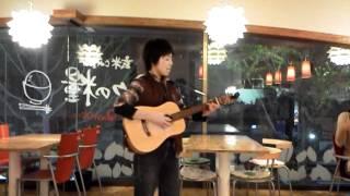 しっとりとモリサヤアレンジのギターも良いですよ.