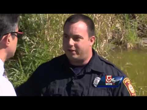 Off-duty firefighter pulls woman from sinking SUV