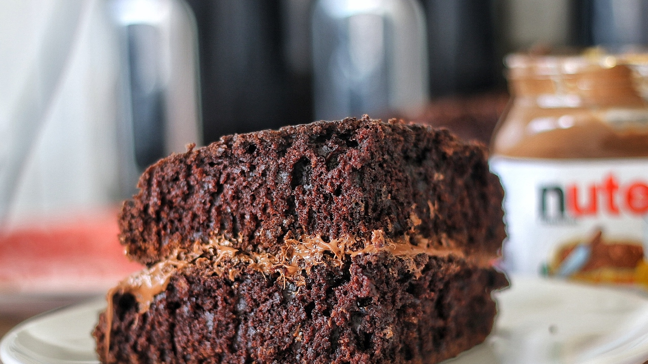 Easy Chocolate Cake With Nutella Youtube
