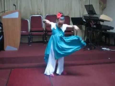 Darlene Zschech - I GIve You My Heart - Help Me Grow Dance Solo - Alinelly