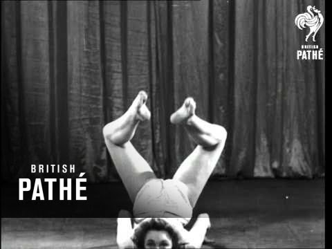 Cynthia Acrobatic Dancer Issue Title - Lights Please ! (1940)