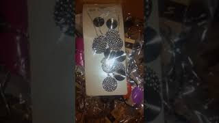 Wholesale Warehouse Of Fashion Jewelry By CloseoutSystem.com