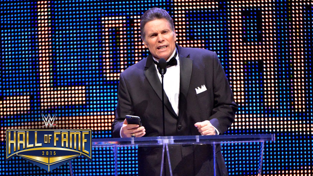 Lanny Poffo inducting his brother Randy Savage at the WWE Hall of Fame ceremony in 2015