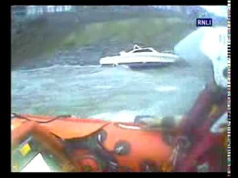 Barmouth lifeboat face gales to help drifting boat