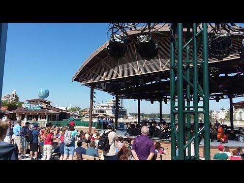 Disfruta Conciertos y Shows Gratis en Disney Springs!...