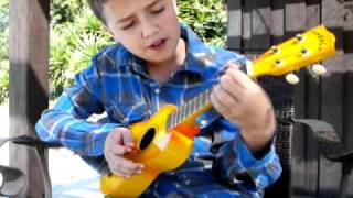 "How to Play ""Somewhere Over the Rainbow"" on Ukulele."