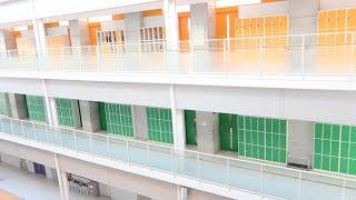 わが陸上部の属する工学院高校 実は校舎がとっても綺麗! 陸部のPRも兼...
