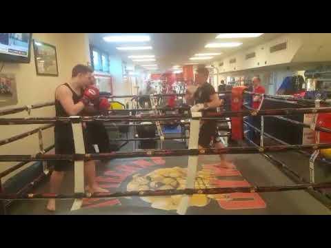 Jack Lowe Boxing round1+2