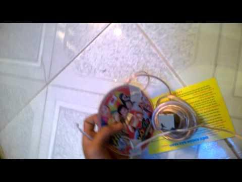 bị điện giật quá bất nghờ.......khi quấn dây loa vào nam châm ( điện)