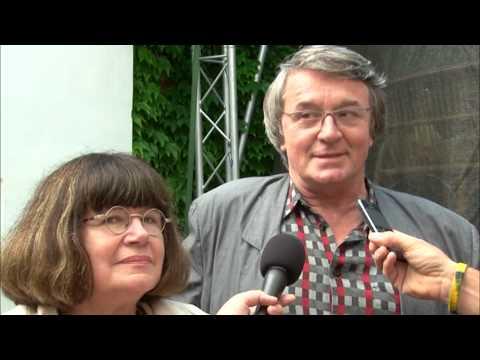 """Hustopečská TV: Letní divadelní festival """"Pod širým nebem"""""""