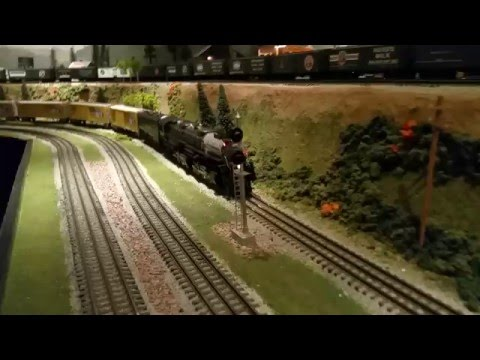 MTH Premier Union Pacific UP 4-6-6-4 Challenger 3985 San Diego 3-Railers