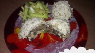 Диетические куриные паровые котлеты с грибной начинкой
