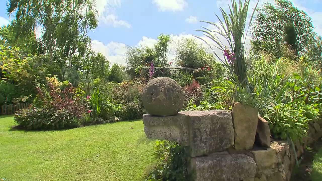 Jardin de bretagne le jardin de trez bihan youtube for Jardin youtube