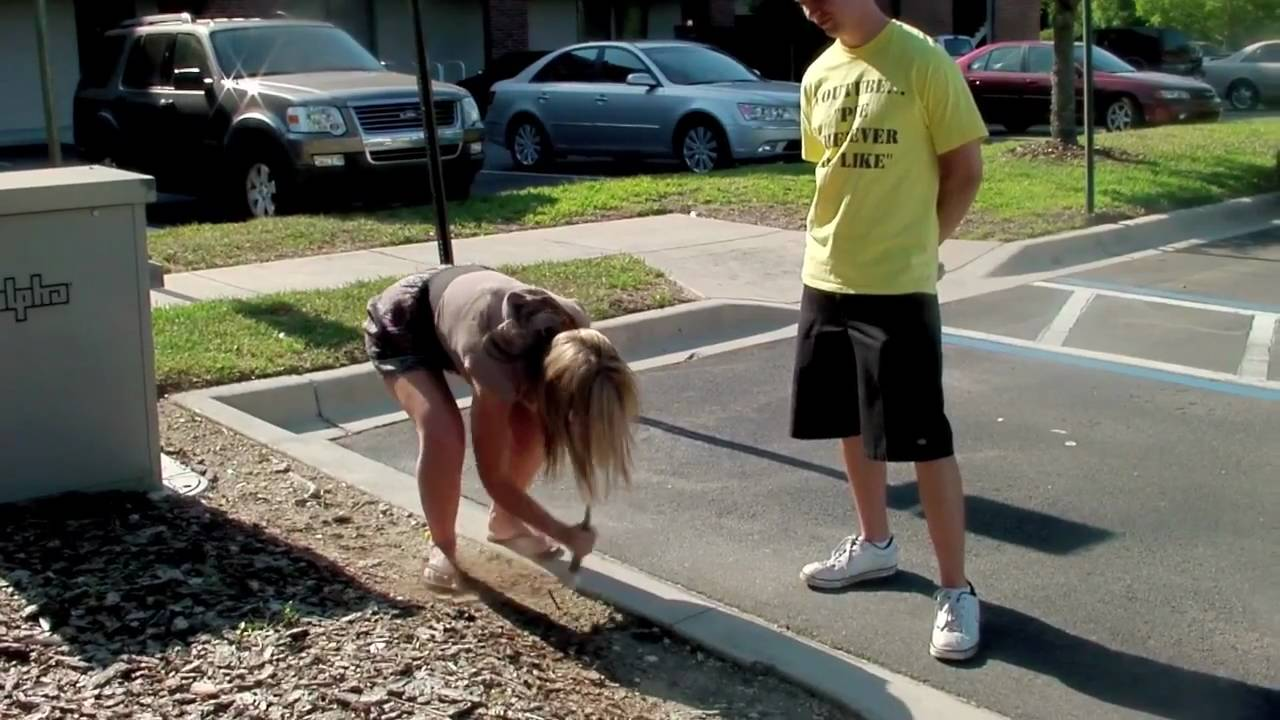 public Young girls pissing in