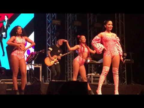 Anitta - Na Batida  No Meu Talento - Show das Poderosinhas - Porto Alegre RS 2805
