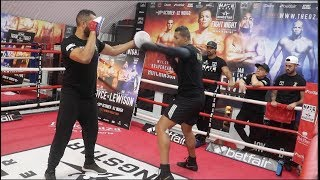 THE JUGGERNAUT JOE JOYCE SHOWS FEROCIOUS POWER ON THE PADS AS MENTOR DAVID HAYE WATCHES ON