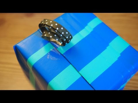 TUTORIAL TUESDAY - FOX PLEAT GIFT WRAPPING METHOD