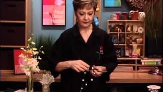 Repeat youtube video Elegant Wrist Corsage