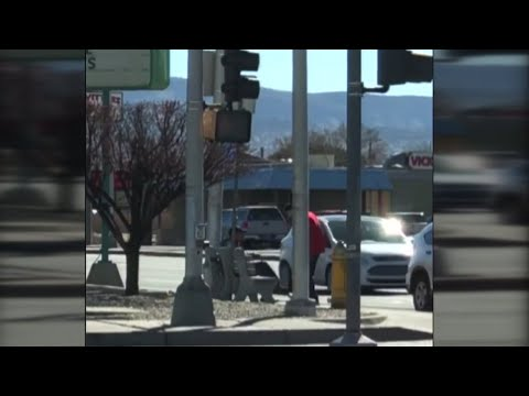 Video: Albuquerque man punches another man for committing a crime