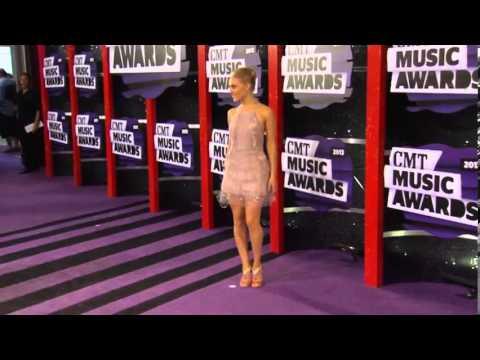 Anna Sophia Robb, CMT Music Awards