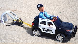 Policeman Senya saves a LITTLE car