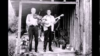 Tommy Jarrell and Fred Cockerham - When Sorrows Encompass Me Round