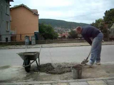 How to mix cement in the traditional way