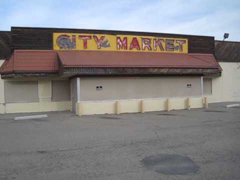 Abandoned Supermarket - Not Too Shabby!