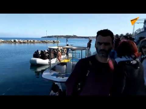 Refugees Come Ashore on Lesbos as Turkey Opens Its Borders