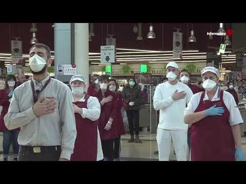 Coronavirus: a Firenze i dipendenti Coop.fi cantano l'Inno d'Italia