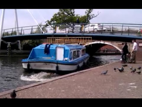 How To & How Not To Pass Wroxham Bridge (see Description)