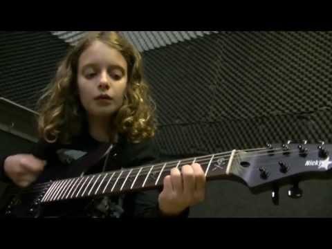 'Try', uitgevoerd door de gitaar leerlingen van A Different Tune.