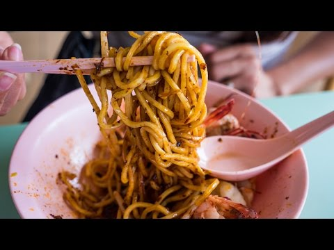 Singapore Food Tour at Old Airport Road Hawker Food Centre - Hokkien Fried Mee & Toa Payoh Rojak!