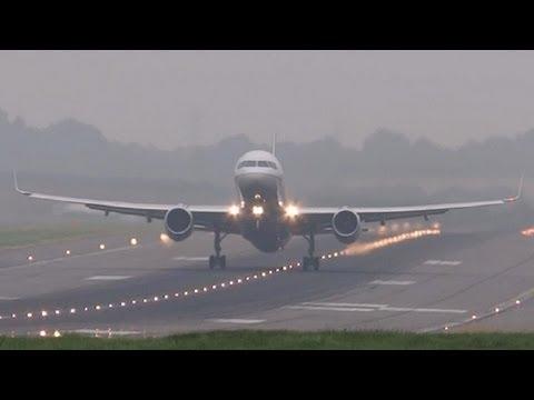 N67134 • United Airlines B757-200 • Birmingham Airport
