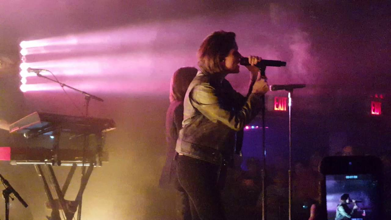Beautiful (10/17) Tegan And Sara   Living Room (Le Poisson Rouge, NYC 5/9/16) Part 23