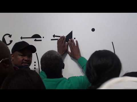 Film: Blind exploration of tactile sign language in museum