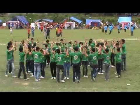Thi múa hát tập thể .MPG
