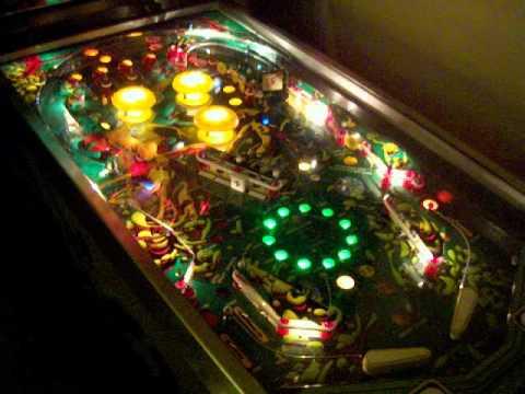 Stern QUICKSILVER pinball (1980). Gameplay video