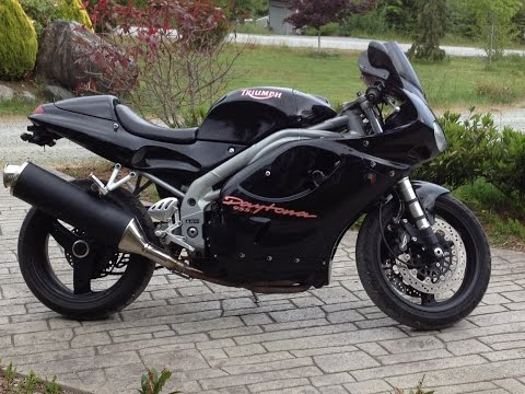 Triumph Daytona i - a spin around the block