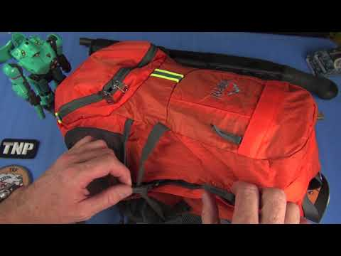 how-to-carry-all-your-crap-for-$20:-stowaway-backpacks!